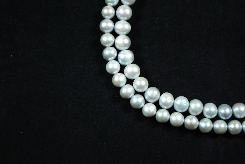 Round Cultured Pearls Silver  9 or 10 mm Dyed