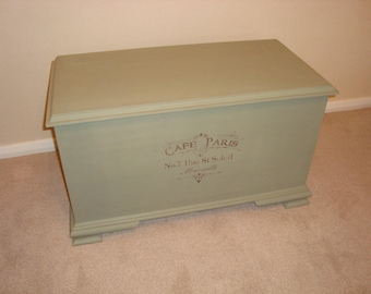 Shabby Chic Blanket/Toy/Storage box painted in Annie Sloan and stencilled