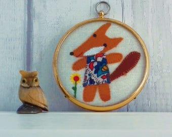 Flossie the Fox - Cute Felt Fox in a Vintage Frame