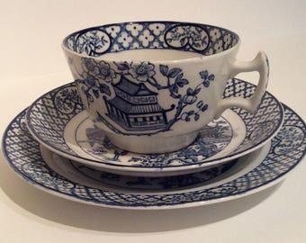 Vintage oriental blue and white china trio, vintage blue and white china trio, blue willow pattern china, vintage blue and white china