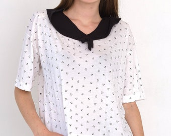 VINTAGE White Triangle Short Sleeve Retro T-Shirt