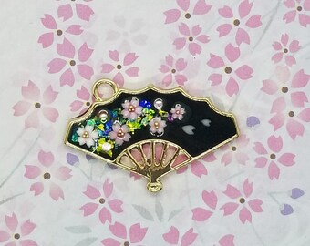 Gold/black sakura fan necklace