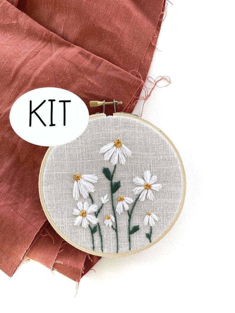 Little Daisies Embroidery KIT with Embroidery Pattern and Embroidery Supplies 5 inch daisy embroidery hoop Thread Unraveled