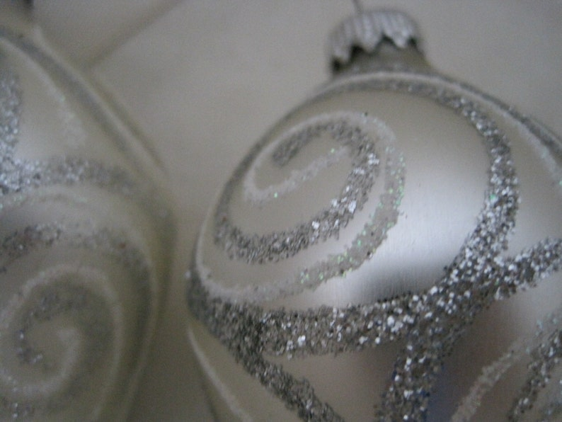 Set of Four Teardrop White and Silver Swirl Glass Christmas Tree Ornaments