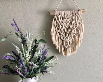 Small macrame wall hanging, macrame wall hanging, macrame, wall art, gift for her, boho decor