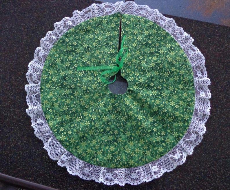 Christmas Tree Skirt Reversible Paisley Poinsettia Tabletop 16 Eyelet Trim Free Shipping