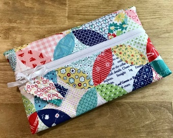 Project Partner Quilted Zipper Bag Cross Stitch Fresh Laundry Print