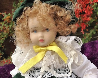 Porcelain doll, Bisquit Capodimonte with certificate (certificato di garanzia) made in italy.