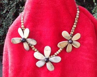Wooden Necklace with beads and big flowers boho style.