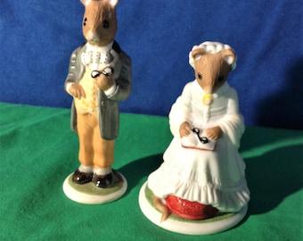 Figurines, Franklin mint mice, Elizabeth and samuel. Porcelain.