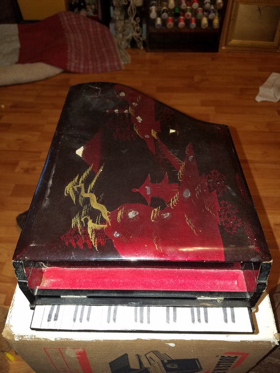 Antique Lacquered Piano music and Jewelry box, Pia