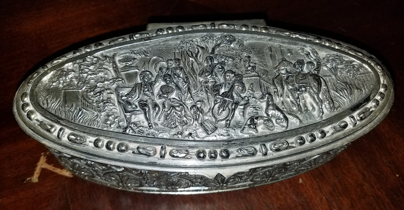 Silver Toned Textured Deer Pendant Oval Trinket Jewelry Box