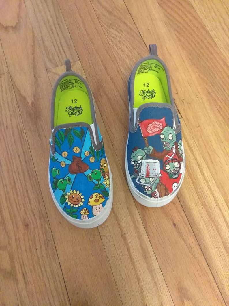 39082732ef588 Hand painted canvas shoes - Plants vs. Zombies inspired