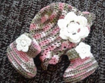 Flower Hat & Bootie Set. Size 0-12mo