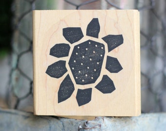 Large Dotted Sun Flower VINTAGE Rubber Stamp.  Perfect for card making and other paper crafting projects!