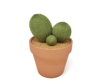 Yarn Cactus in Terra Cotta Pot· Felt Cactus· Potted Plant· House Plant· Fake Desk Plant· Wool Felt· Fake Plant· Housewarming· Felt Succulent