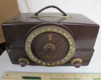 Antique Zenith Bakelite Radio