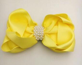 Yellow hairclip