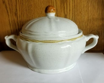 Hearthside 'Berries 'n Cream' Casserole Dish with Lid