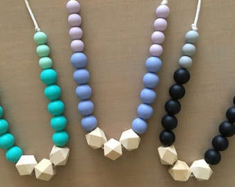 FirstTrails Heather Teething Necklace Colorblock