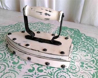 Vintage Iron,Antique sewing tools, Decorative Iron, Sewing Box, Needle Box, Antique Box