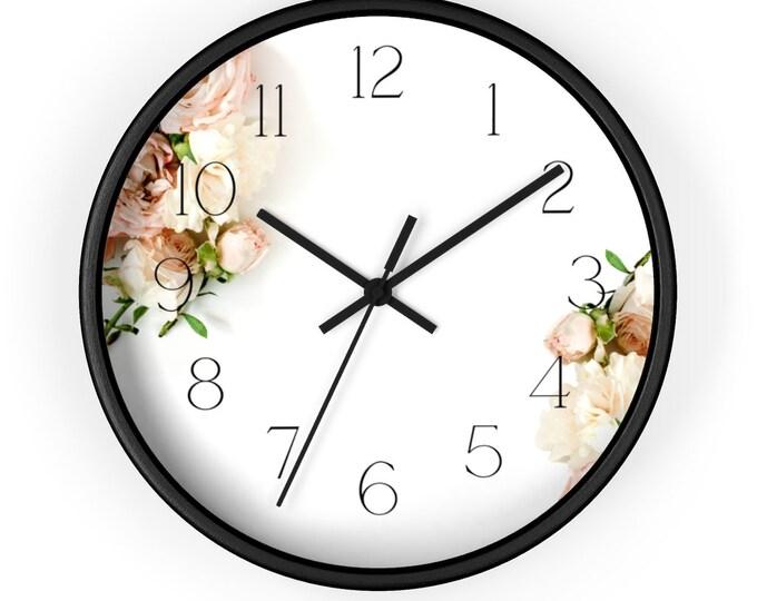 Pale Rose Bouquet Minimalist Style Analog Wall Clock