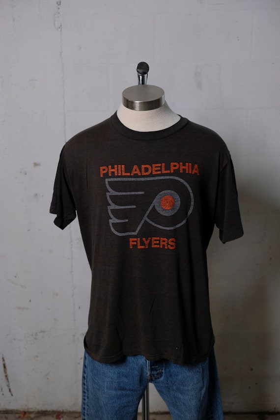 Vintage 90's Philadelphia Flyers Hockey T Shirt Soft! Thin! XL