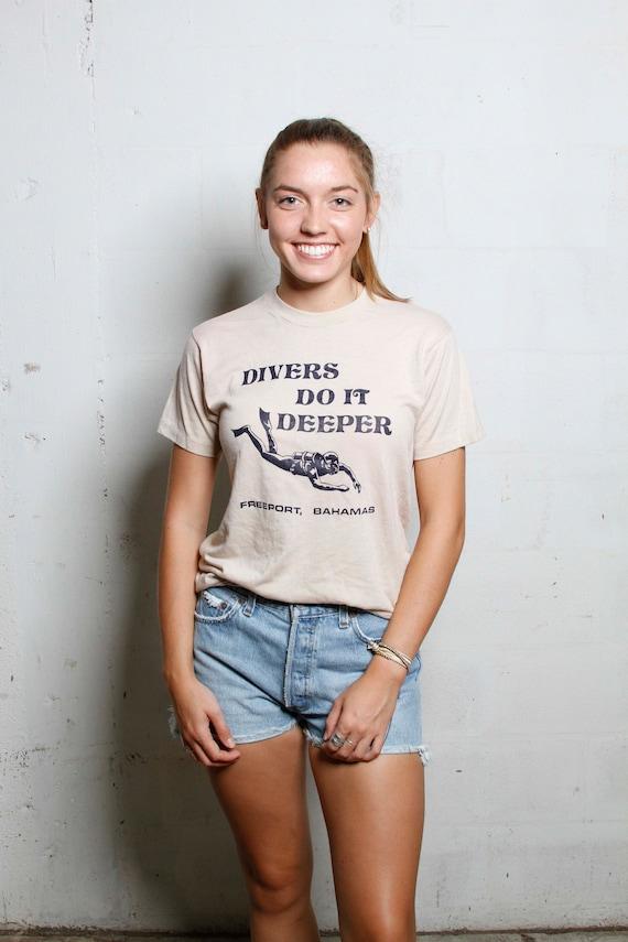 Vintage 70's Divers Do It Deeper Freeport Bahamas T Shirt Rare! Soft! S