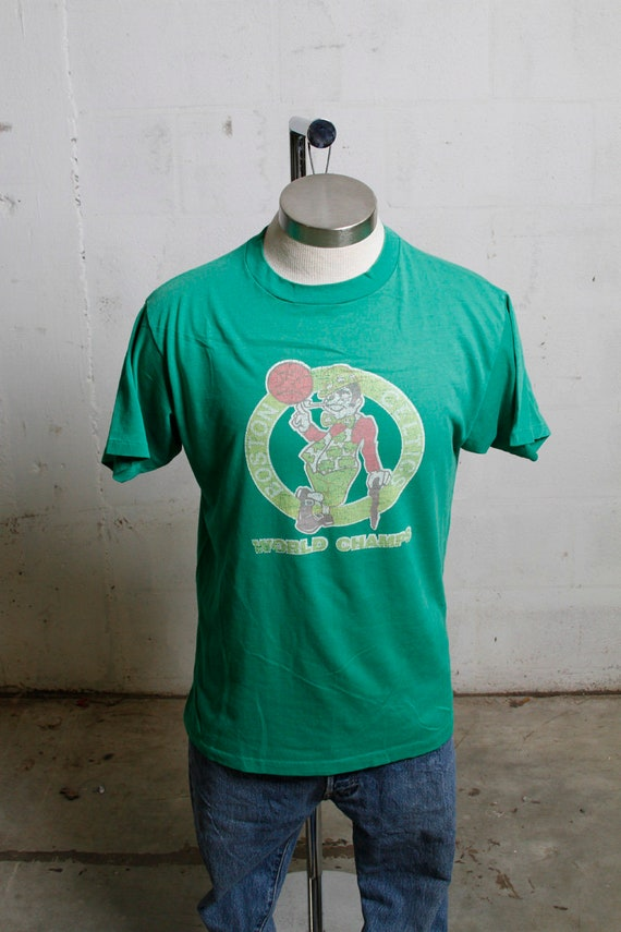 Vintage 80's Boston Celtics World Champs Basketball T Shirt Soft! Crackly! L