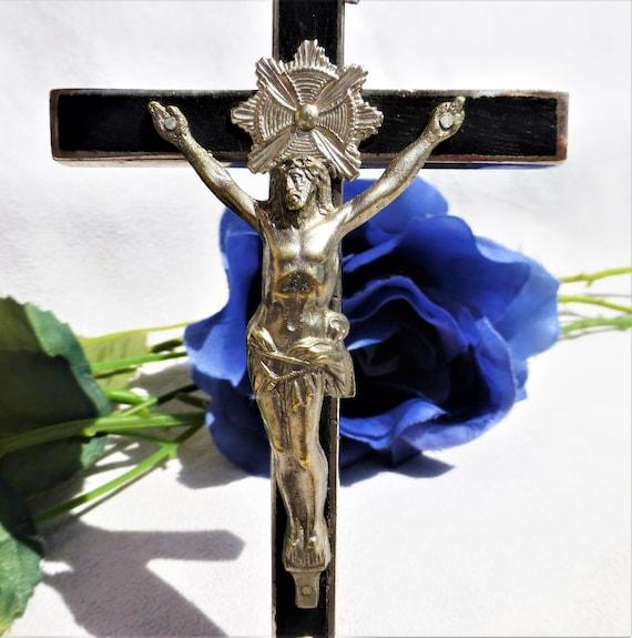 Ancient Cross of Jesus pendant