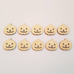10 x Mini Blank Wooden Craft Shapes Witches Hat 30mm