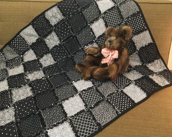 Black & White Rag Quilt - Crib Size