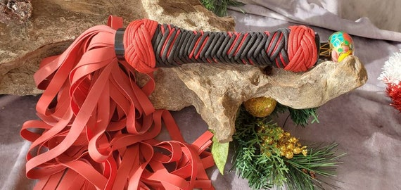 RTS- Red LATEX flogger