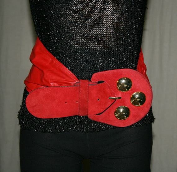 Vintage BELT Red LEATHER/ Woman Belt/Leather vinta