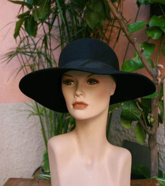 Large black felt hat, 1980s fashion-  wool hat-  f