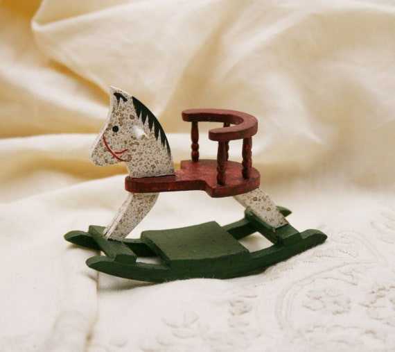 Dollhouse Miniature Tobogganing Box with Antique Lid