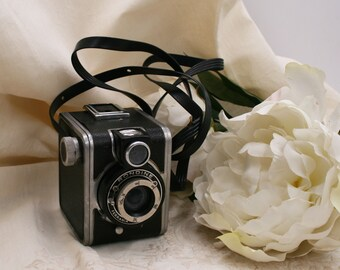 VINTAGE camera RONDINE of Ferrania/Camera Collectible/ Photography History/ Gift for Photographe/ Italy camera