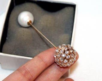 brooch pin gold peal