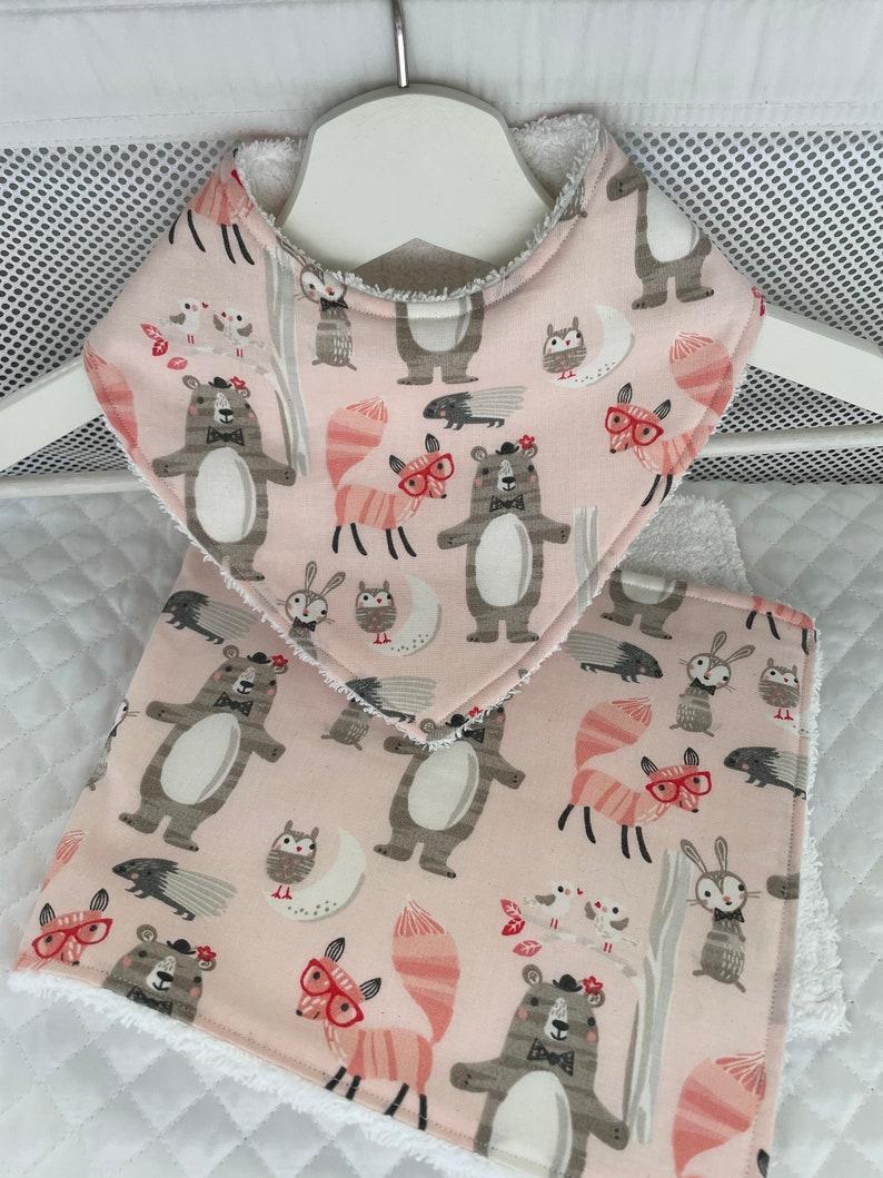 Handmade Bib /& Burp Cloth set Baby Shower gift Baby Bib Baby Gift set Newborn gift Animal Baby gift set Burp Cloth