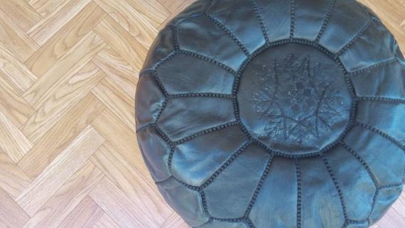 100/% cuir artisanale marocaine Pouffe blanc avec Turquoise broderie