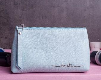 Bridesmaid gift Leather makeup bag Makeup bag Toiletry Bag Leather Bag with  monogram personalized toiletry bag Leather Kit Makeup Bag 7559fcfc87bd0
