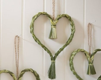 A heart in smell hay/sweetgrass