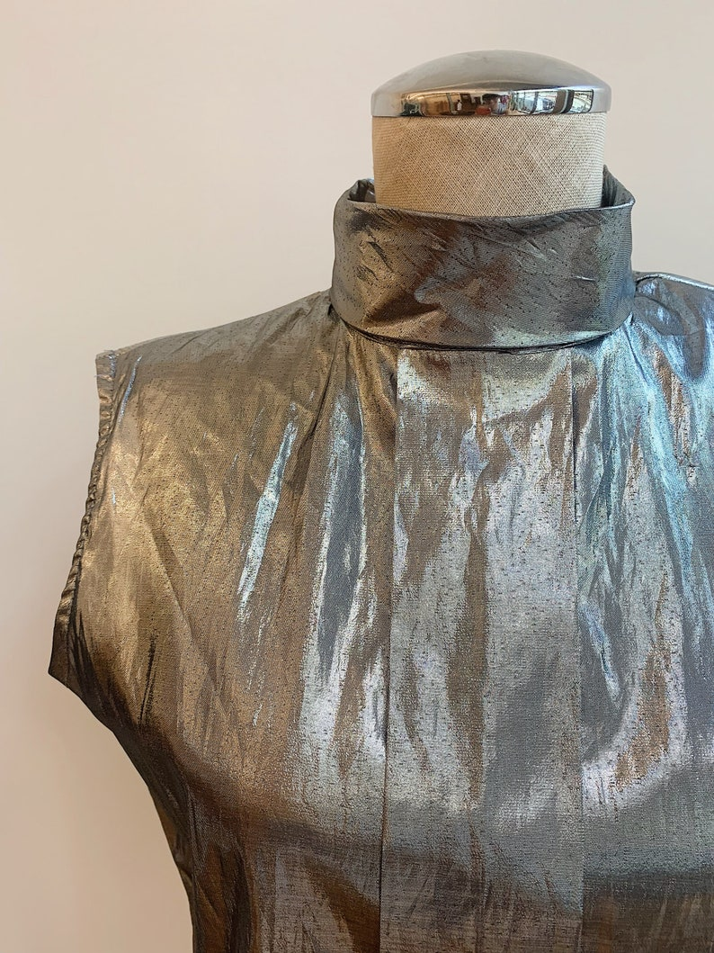 1980/'s Metallic Silver Sleeveless Top