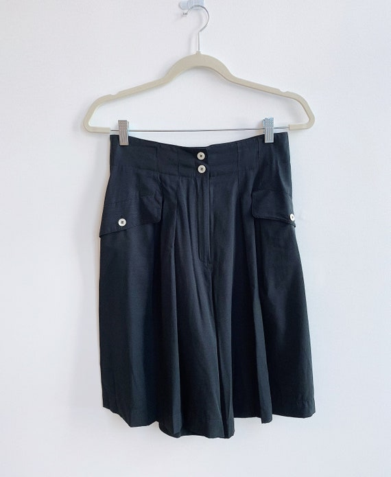 Vintage 1990's Mondi Black Pleated Long Shorts