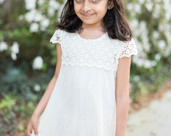 Flower Girl Dresses - White Lace Flower Girl Dress