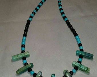 Green lace agate beaded necklace