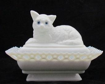 Westmoreland Glass cat on a basket