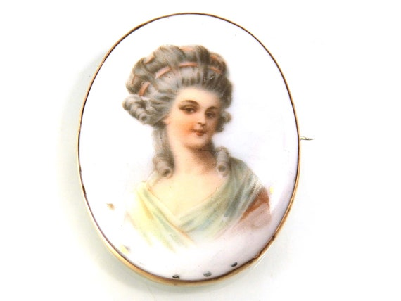 Antique Lady Painting Portrait Brooch, Limoges Por