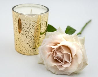 Luxury Gold Scented Candle – Sparkling Champagne with divine citrus notes.