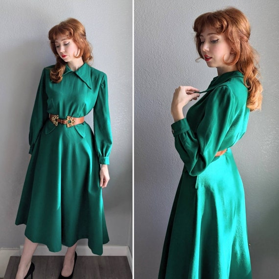 1940s Dagger Collar Winter Dress | Quintessential